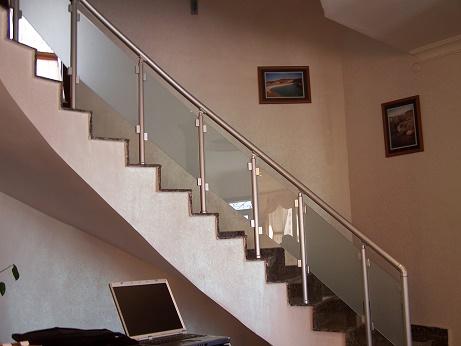 Camlı Merdiven Korkulukları